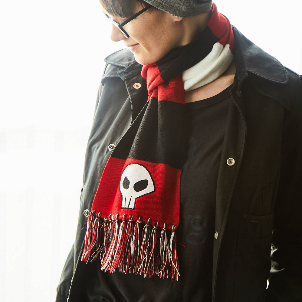 Gaige Skull Red and Black Scarf by GEARBOX LOOT