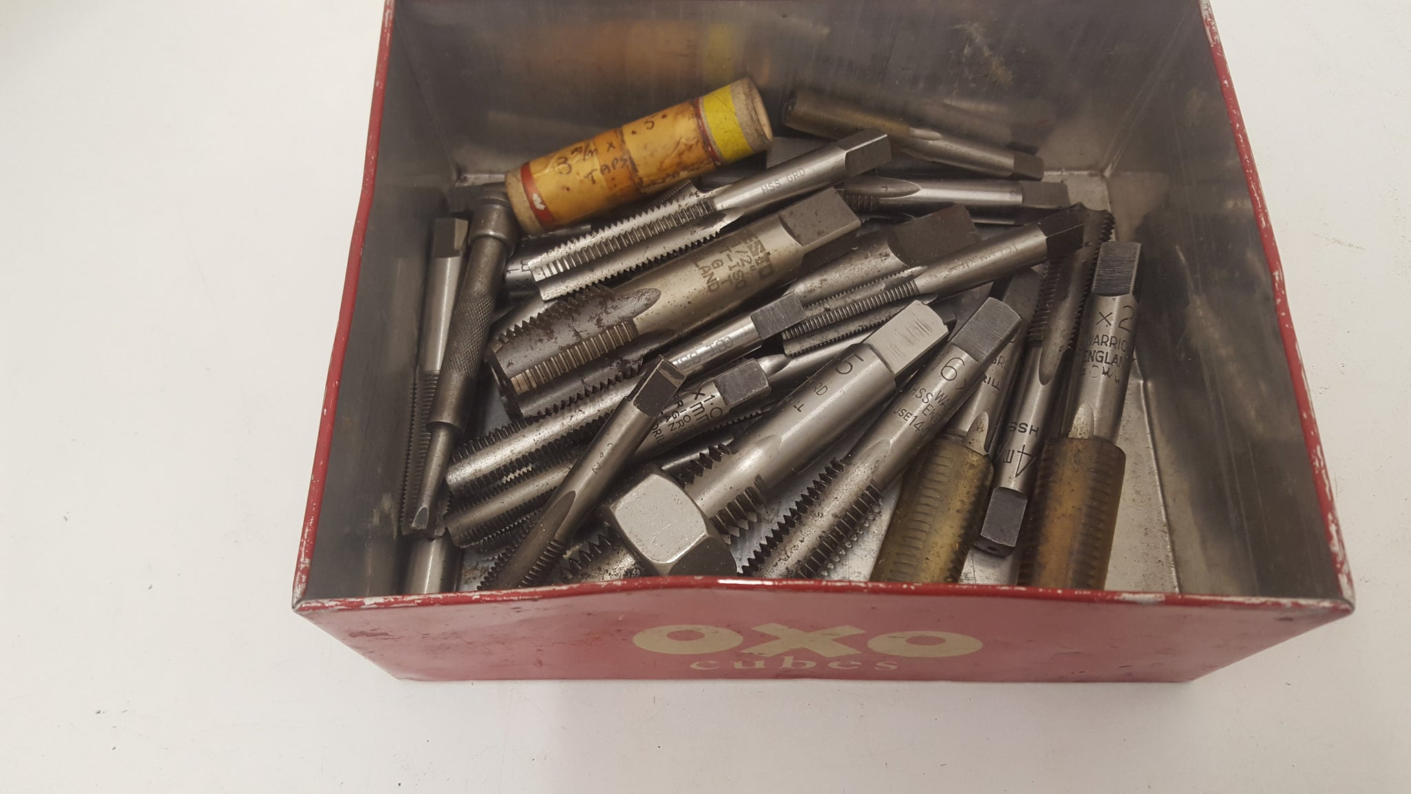 Job lot of Assorted Taps in Vintage Oxo Cube Tin 23866