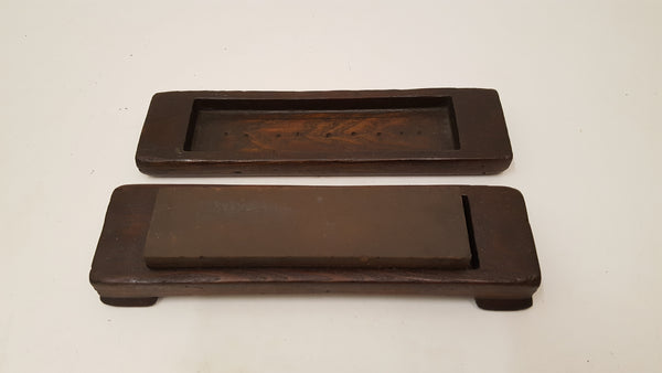 "Good Condition 7 3/4"" x 2"" x 1"" Oil Stone in Nice Wooden Box 35820"