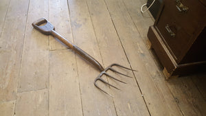 "Very Nice 34"" Vintage Strapped Garden Fork w Wide Head 38761"