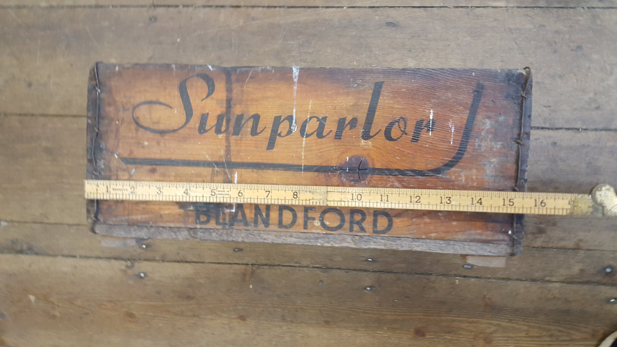 Antique Sunparlor Blandford Wooden Crate 28612
