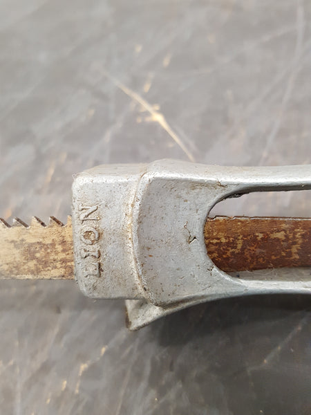 Vintage Lion Brand Pad Saw Handle w Blade 28805