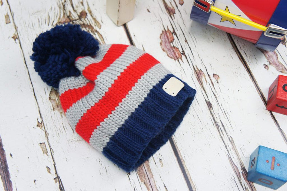 Grey and Navy Bobble Hat 0-6 YRS