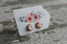 Load image into Gallery viewer, 8mm Confetti In A Rose Gold Stud