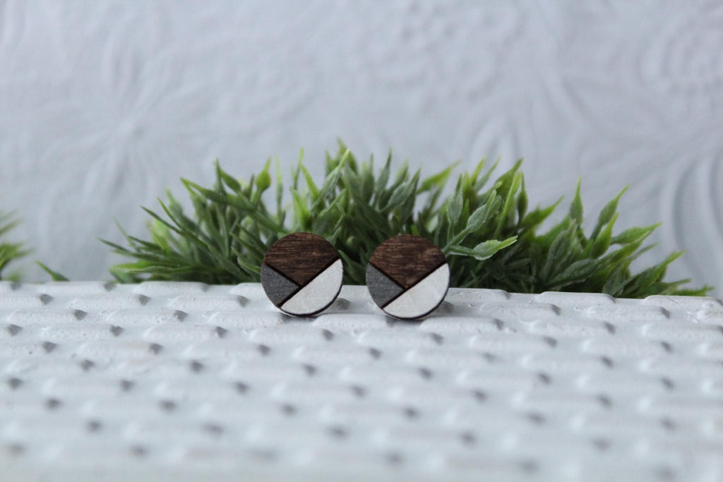 Wood Metallic Grey/White Earrings
