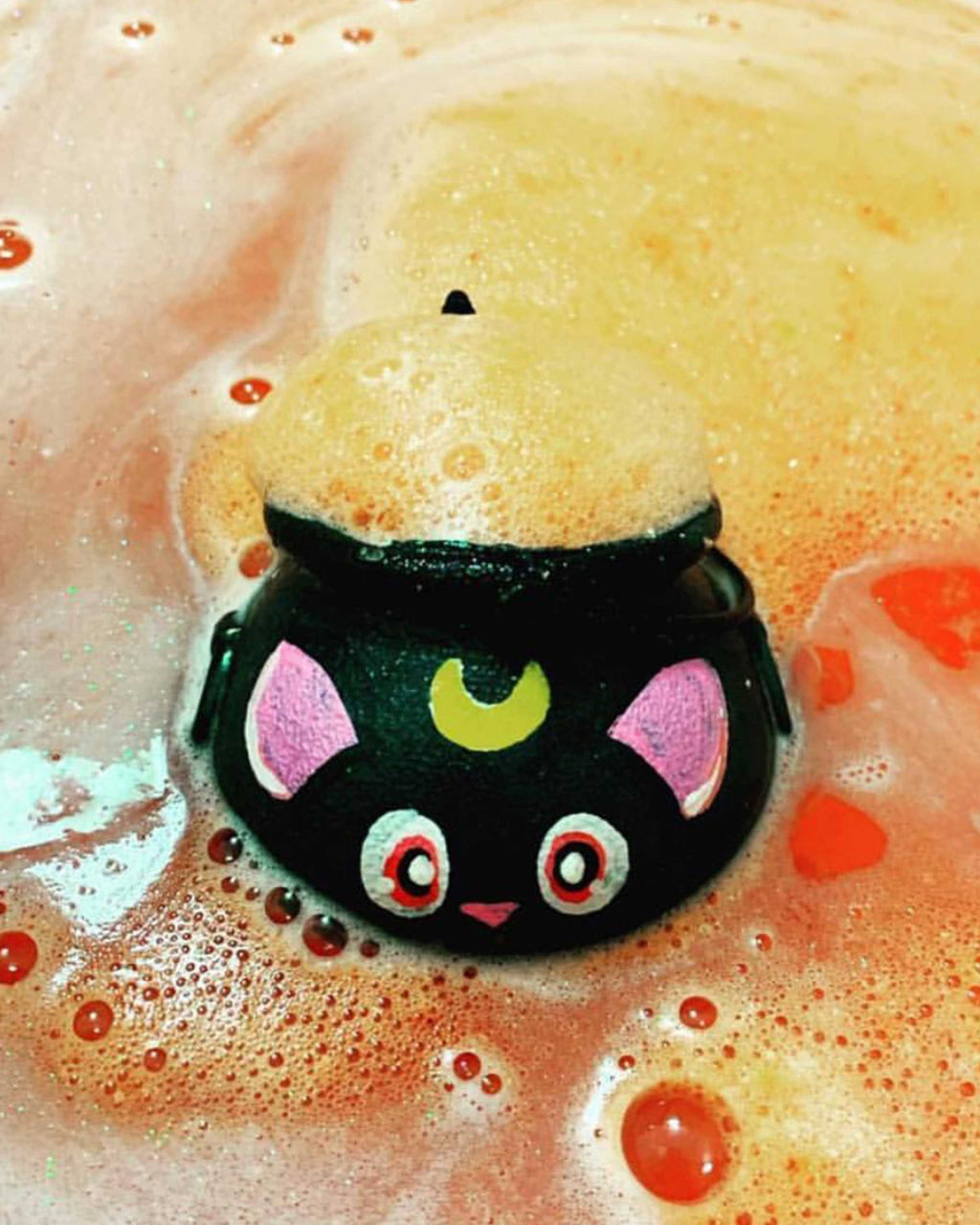 Luna Cauldron Bath Bomb