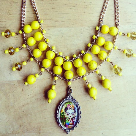 COLLAR FRIDA AMARILLO
