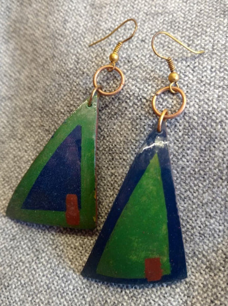 ARETES TRIANGULARES