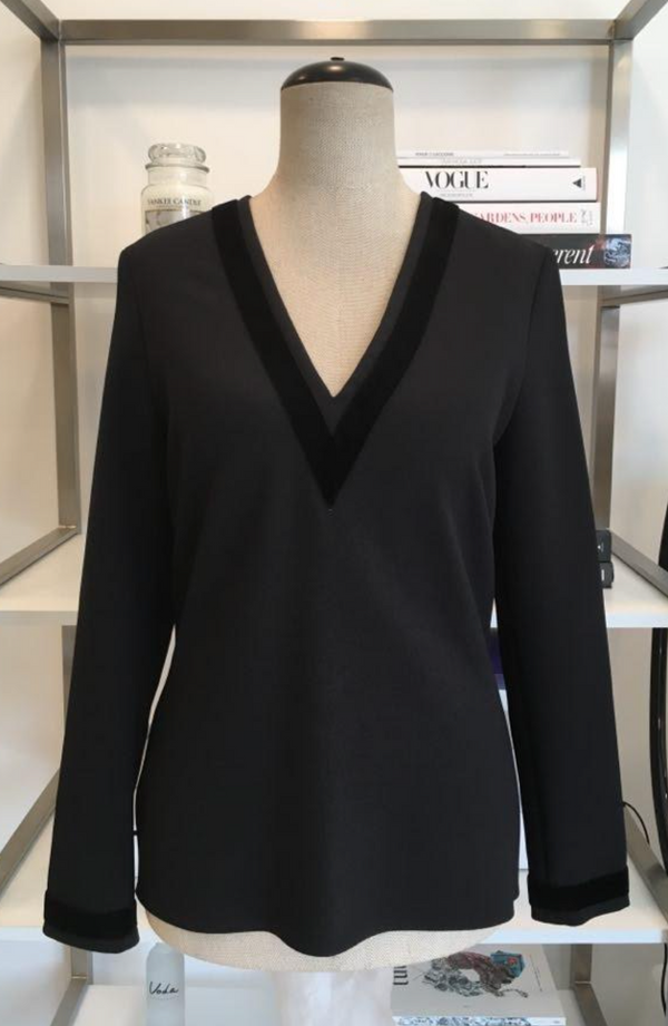 Porte Prive Black Blouse w/velvet