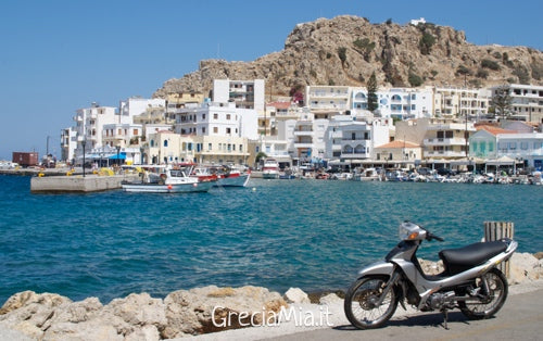 muoversi a Karpathos in scooter