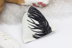 Ink Feathers Geo Silver Vine Cat Toys