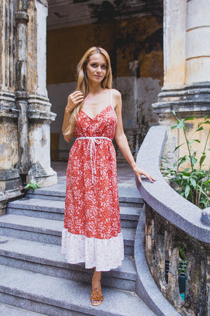DAHLIA DRESS BRICK RED PAISLEY FRONT STAIRS