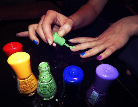 how to avoid bubbles in nail polish