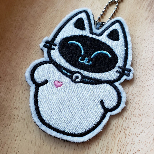 KitEVE - Embroidered Keychain or Patch