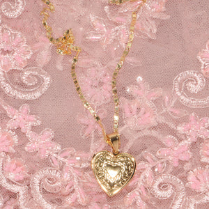 Corazón Heart Locket Necklace