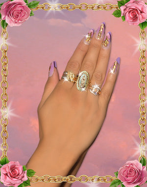Virgencita Statement ring. Beautiful Virgencita vision, rays behind her into a oval ring.