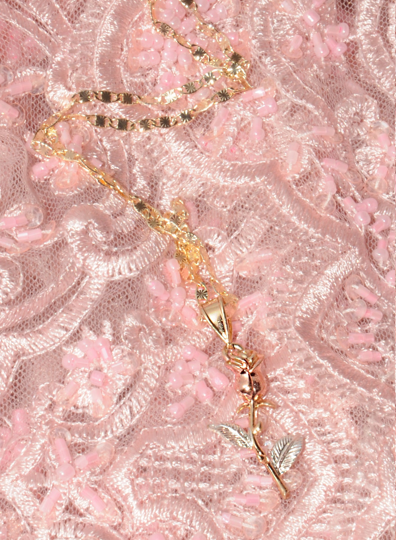 Rose Thorn Romance Necklace