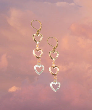 Corazón Dangle Earrings