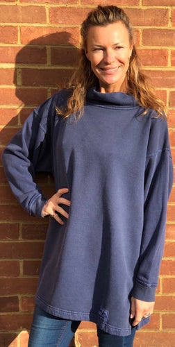 HIGH NECK SWEATSHIRT - Navy Wash