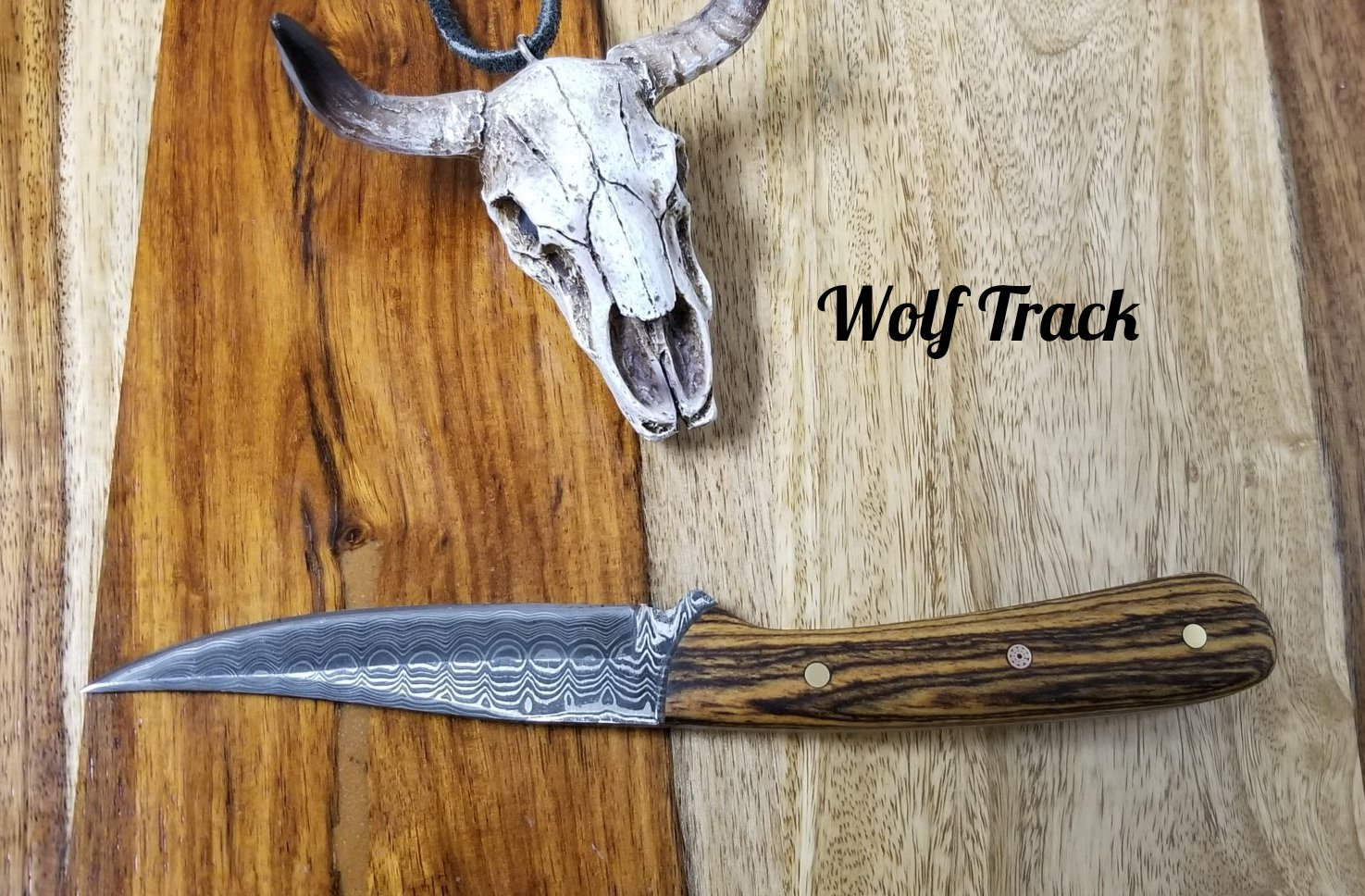 Wolf Track Damascus Custom Knife - WT231DG