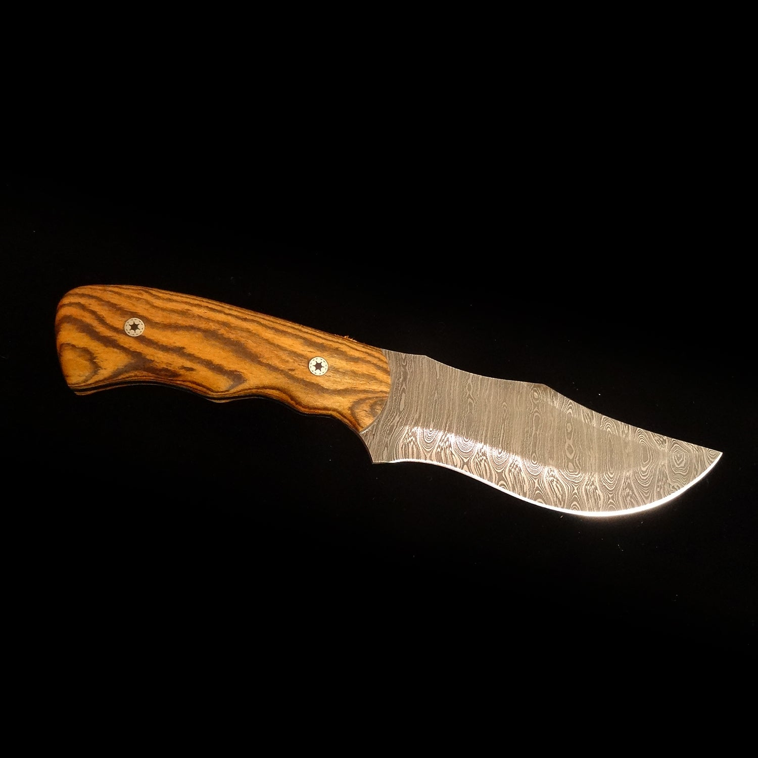 Wolf Track Damascus Custom Knife - WT160DG
