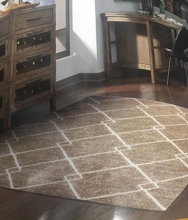 5x7 Transitional Tile Pattern Area Rug in Beige and Ivory