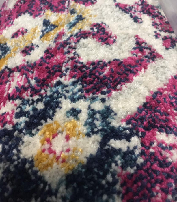 "7'10""x10' Area Rug Made in Turkey New Condition - Delivery Available $110"
