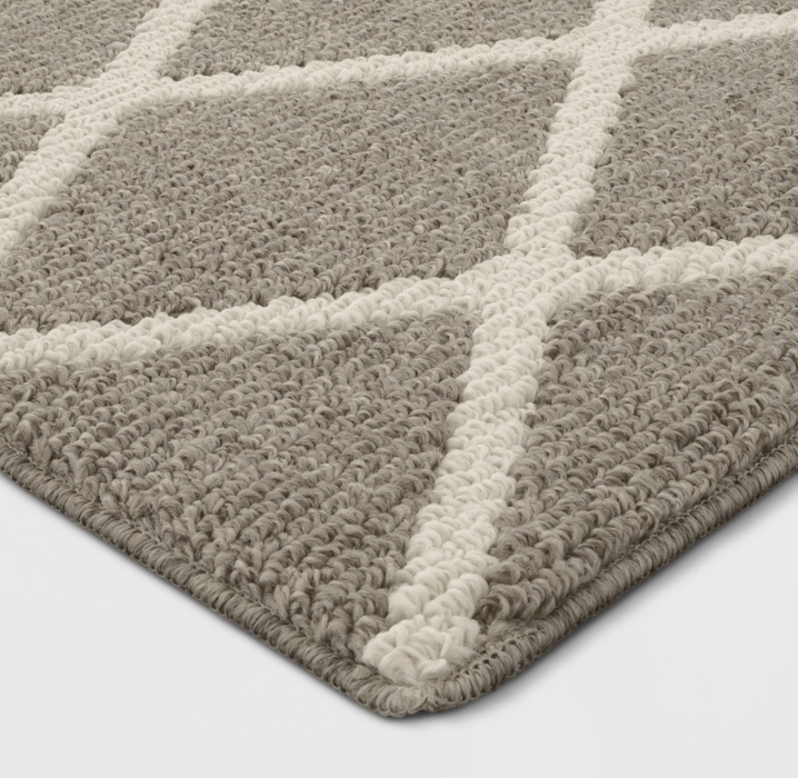"4'X5'6"" Color Warm Gray Diamond Washable Tufted And Hooked Rug - Our Price $30 (Currently Selling Online for $49) - YOU SAVE $20!"
