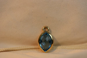 Solid Gold 14k Pendant Gem Sapphire Beautiful Blue Stone 3.50g