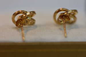 14K Solid Gold Earrings Beautiful Design 1.61g