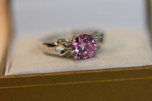Sterling Silver Ring With Pink Center Crystal New Design Size 8.5  (925) 3.24g
