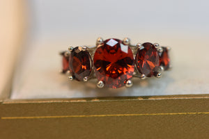 Sterling Silver Ring With Red Stones Beautiful Design (925) Size 8 4.94g