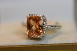 Beautiful Sterling Silver Ring Quartz or Citrine 4.88g  Size 8 (925)