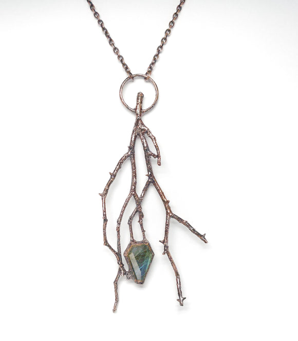 Oregon Rose Thorns w/ Labradorite Coffin Pendant