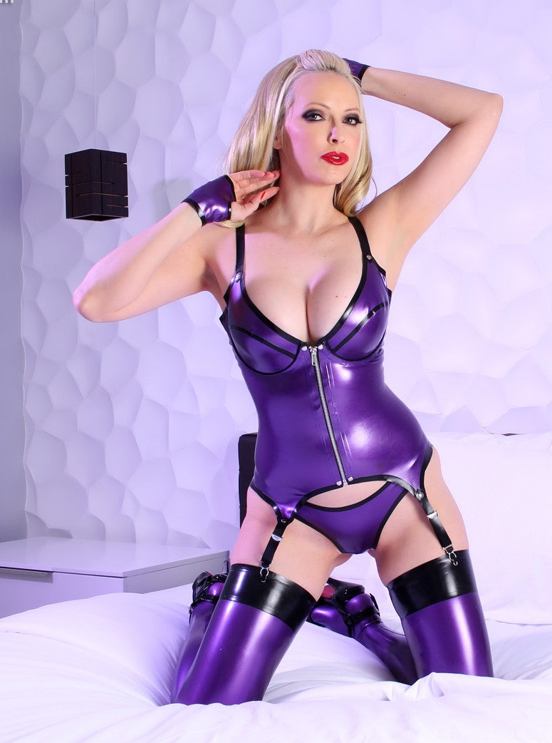 Latex Briana basque