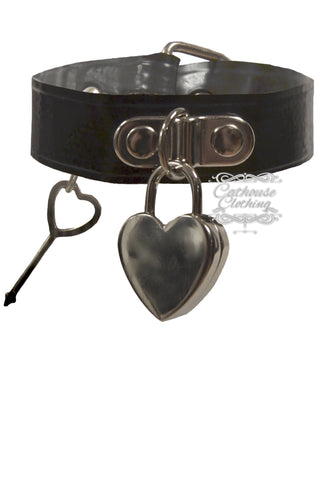 Latex heart padlock collar