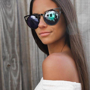 Quay Eyeware Australia - Invader Sunglasses in Black/Blue Mirror