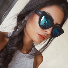 Quay Eyeware Australia - KITTI Sunglasses in Black / Blue Mirror