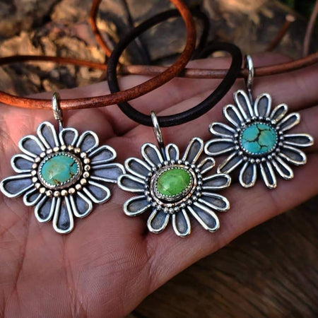 Flower Turquoise Necklace