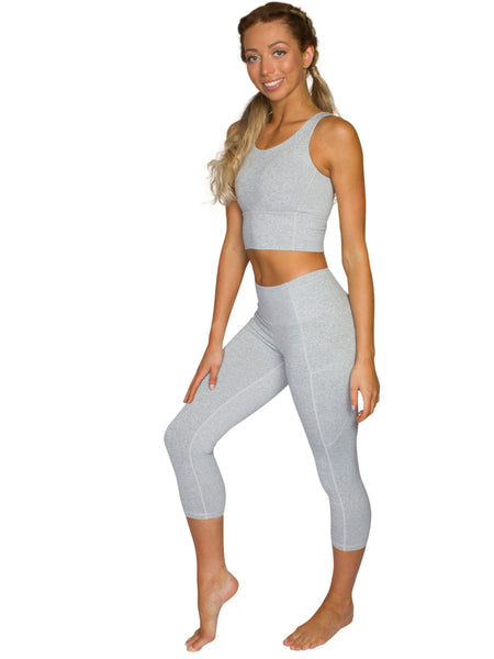 HIGH-RISE POCKET DETAIL 3/4 GYM TIGHTS- LIGHT GREY