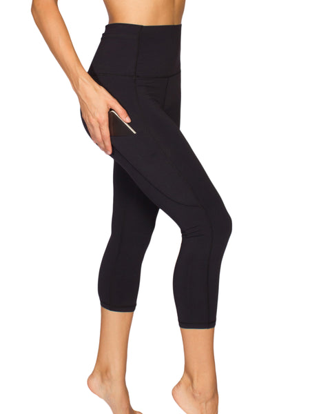 HIGH-RISE POCKET DETAIL 3/4 YOGA TIGHTS - BLACK
