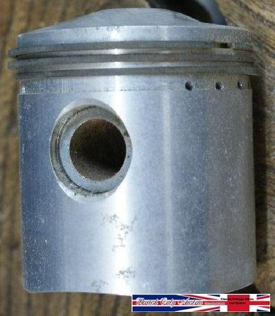 AJS/Matchless 250cc Piston early +40 NOS
