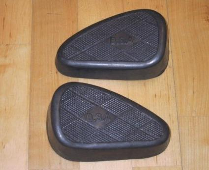 BSA Kneegrip Rubbers 3 Hole /Pair with Logo