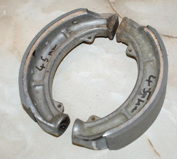 BSA Brake Shoes / Pair 1956-57