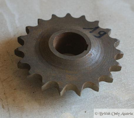Norton 16H, ES2,M18,Big4 Primary Sprocket 19T. used