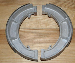 Triumph Brake Shoes / Pair