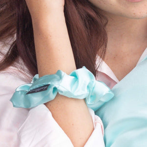OVERSIZED BLUE MINT SATIN SCRUNCHIE