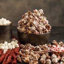 popinsanity peppermint hot chocolate artisan popcorn