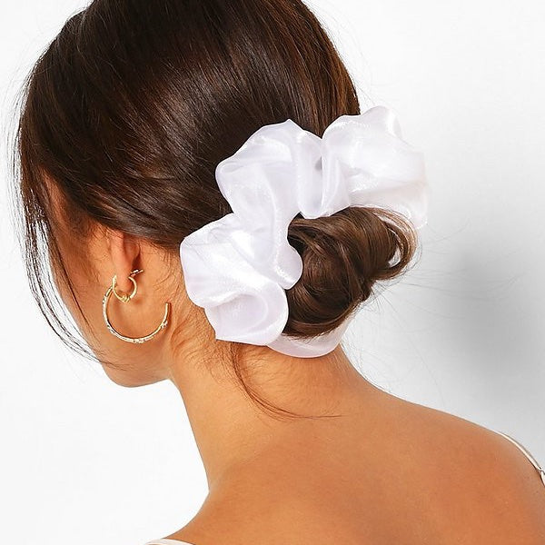 OVERSIZED WHITE SATIN SCRUNCHIE