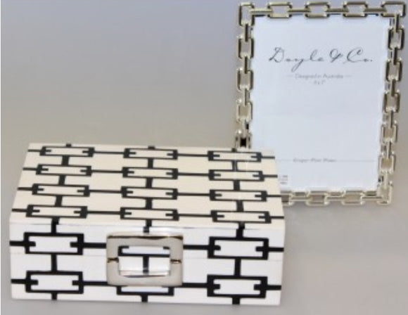Ivory and Black Links Box Buckle SML